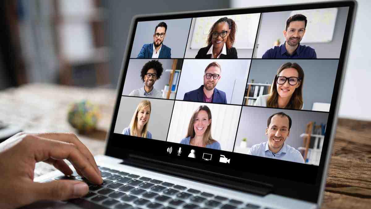 Pengaturan Laptop Kantor Untuk Meeting Online